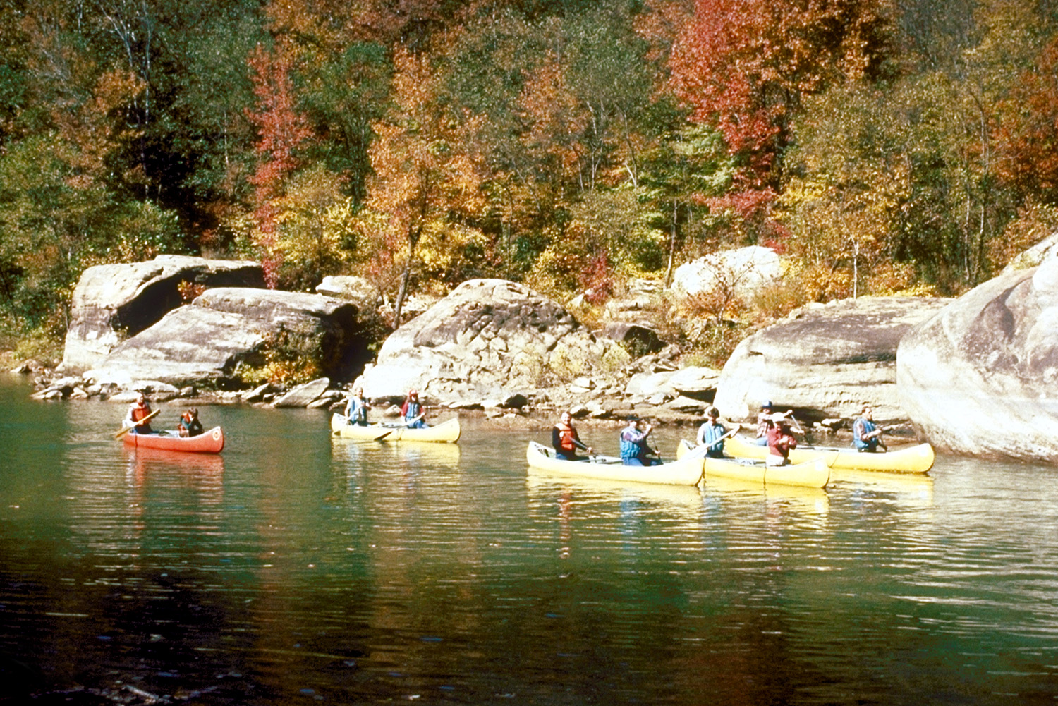 Caney_Fork_River_canoeing